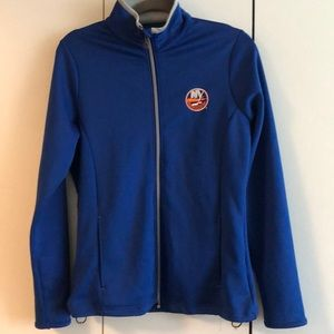 NY Islanders zip up